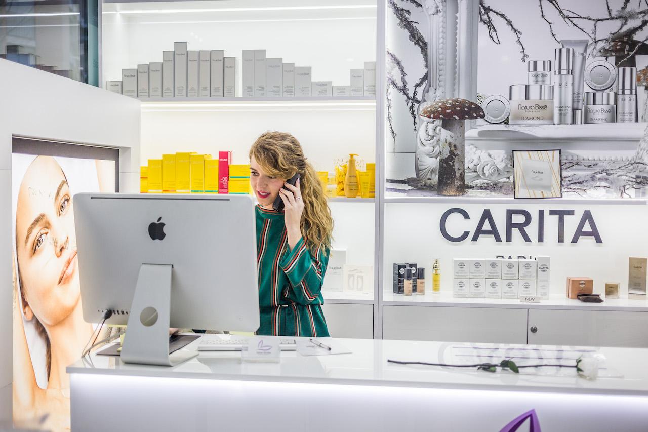 Esther Alcolea | Trabajamos las mejores marcas cosméticas del mercado