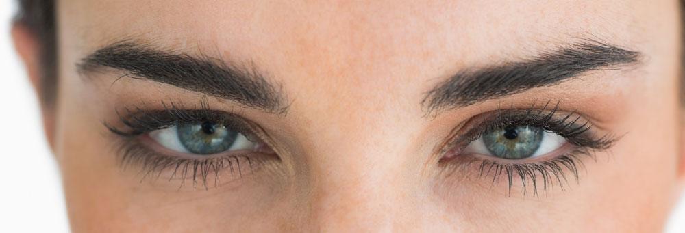 Bolsas, arrugas, ojeras, cuidados del contorno de ojos