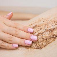 Descubre todos los beneficios de hacerte un peeling corporal en tu centro de estética en Albacete