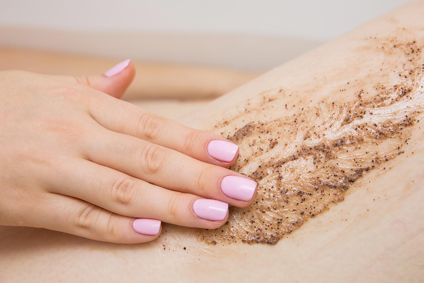 Beneficios de realizar un peeling corporal Albacete | Esther Alcolea centro de estética